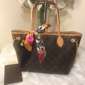 🛑SPECIAL DEAL🛑🌼LV Neverfull PM🌼